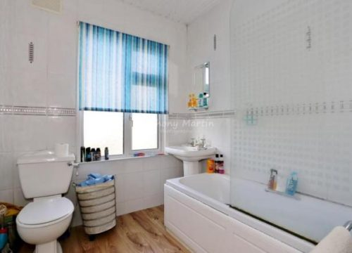 4 Bed for Sale in Erith