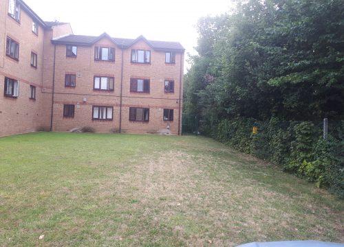 2 Bedroom Flat for Sale in Charlton